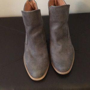 Qupid grey suede boots.